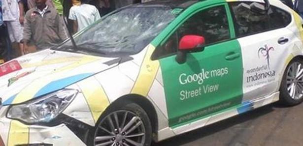 Google Arabası Kaza Yaptıı, Ortalık Karıştı-kamumemurlar.com