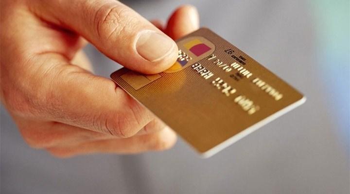 Kredi Kartıyla Günde 1.1 Milyar Lira Harcıyoruz