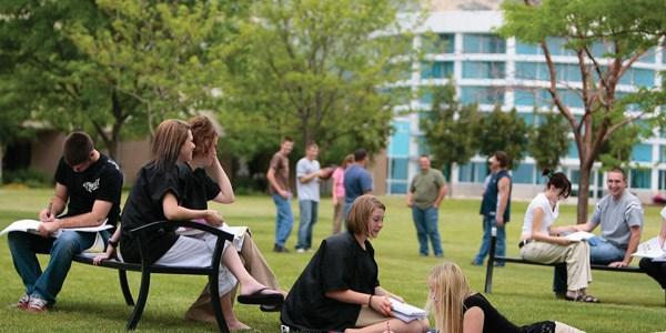 Üniversite Öğrencilerine Burs Veren Kurum ve Kuruluşlar